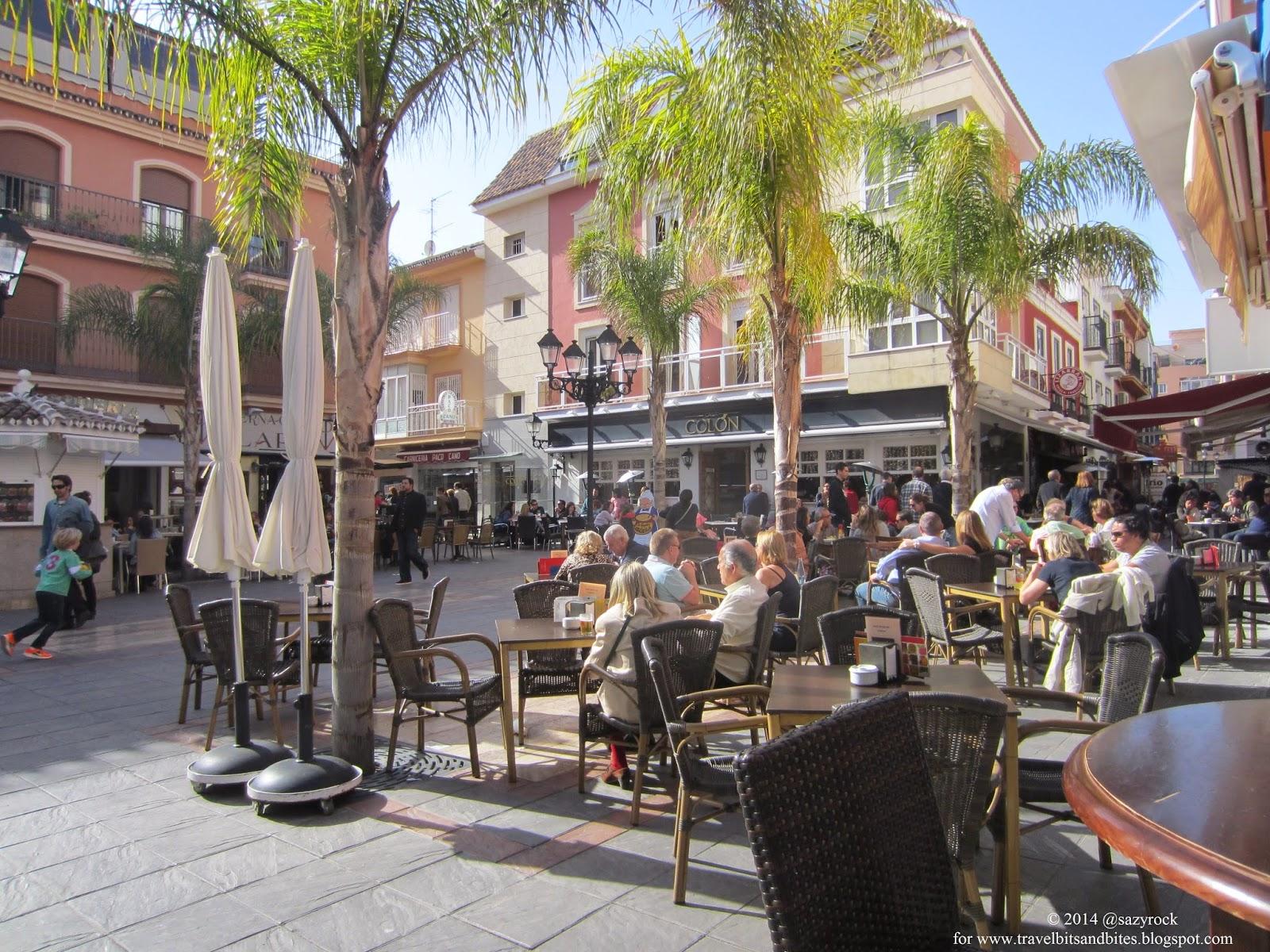 Plaza de los Chinorros to punkt obowiązkowy każdej wyprawy do Fuengiroli